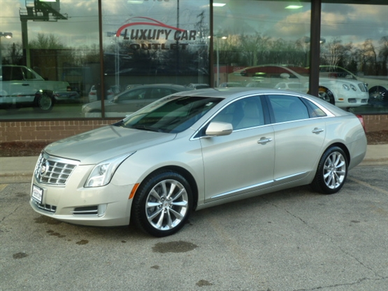 2013 CADILLAC XTS Luxury AWD AWD