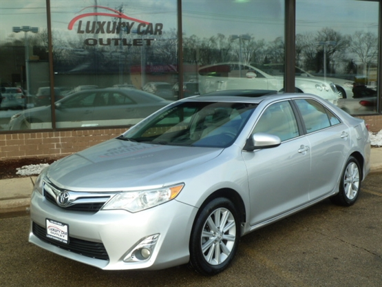 2012 TOYOTA Camry XLE FWD